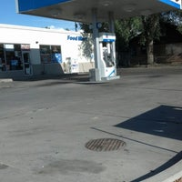 Photo taken at Willie's Chevron by Amber H. on 9/25/2012