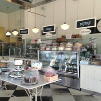 Photo taken at Magnolia Bakery by Natalie H. on 1/7/2013