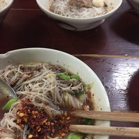 Photo taken at ก๋วยเตี๋ยวเรือ 10 บาท by A'Oomsin ☂. on 10/5/2017