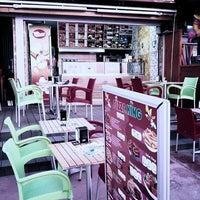 Photo taken at Pizza King - Kuşadası by Onur S. on 6/16/2013
