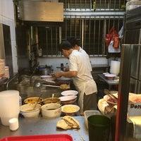 Photo prise au Hill Street Tai Hwa Pork Noodle 吊桥头大华猪肉粿条 par JK le8/31/2016