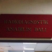 Photo taken at İstanbul Üniversitesi Tıp Fakültesi Radiodiagnostik A.B.D by İpek K. on 3/6/2014