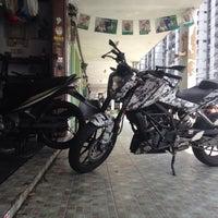 Photo taken at Kedai Motosikal Hweng Ho Motor by Fikri R. on 5/13/2015