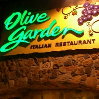 Photo taken at Olive Garden by Na Na B. on 3/23/2014