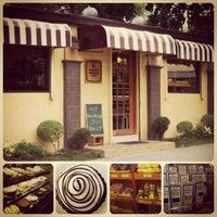 6/8/2013에 Trizza Albert R.님이 Corner Bakery에서 찍은 사진
