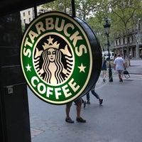 Photo taken at Starbucks by Ket . on 8/26/2013