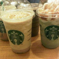 Снимок сделан в Starbucks пользователем akwilinalit 10/9/2012