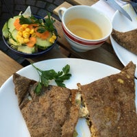 Photo taken at Miam miam - Crêperie artisanale by Marc B. on 10/3/2015