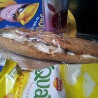 Снимок сделан в The Bread Oven пользователем Grace G. 11/14/2012
