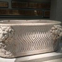 Das Foto wurde bei Neues Museum von Meral S. am 10/13/2012 aufgenommen