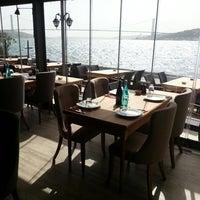 5/23/2013 tarihinde Serkan D.ziyaretçi tarafından Toro Steak House'de çekilen fotoğraf