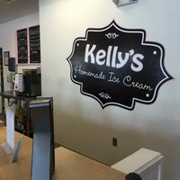 Photo taken at Kelly's Homemade Ice Cream by Pei K. on 5/23/2016