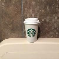 Photo taken at Starbucks by wendithj on 4/21/2017