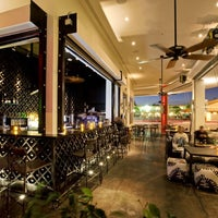 Photo taken at Balans Restaurant & Bar, Biscayne by Jose R. on 1/12/2013