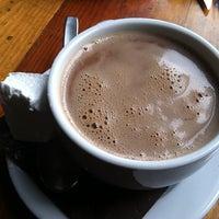 2/23/2013 tarihinde Rhonda Lziyaretçi tarafından Mindy's Hot Chocolate'de çekilen fotoğraf