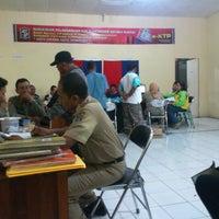 Photo taken at Sekretariat Kecamatan Gubeng by Erwan C. on 10/15/2012