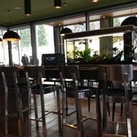 รูปภาพถ่ายที่ Il Caffe Mastai vicino alla Stazione โดย Miki B. เมื่อ 12/20/2012