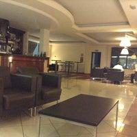 Foto scattata a Hotel Villa Ducale da Miki B. il 9/13/2014