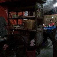 Photo taken at Nasi Goreng Babat Iso Mandiri by Wisnu N. on 1/8/2013