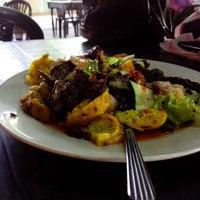 Photo taken at Kentani Restoran(Abe Se) by Muhamad Kamarkasyidi B. on 6/20/2013