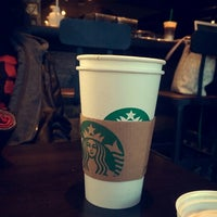 Photo taken at Starbucks by Abdulla Attamimi on 1/18/2015