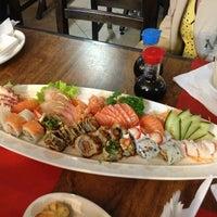 Foto tirada no(a) Sensei Lounge Sushi por Marcela Lourenço C. em 2/8/2013