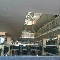 Foto tomada en Centro Comercial Rio Sur por Carolina V. el 12/28/2012