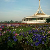 Das Foto wurde bei Suanluang Rama IX von Yunglee T. am 1/6/2013 aufgenommen