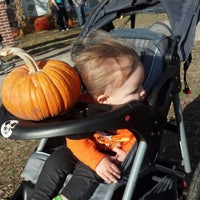 Photo taken at Bart's Farm and Pumpkin Patch by Scott W. on 10/21/2012