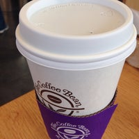 Photo taken at The Coffee Bean & Tea Leaf by Bran M. on 1/19/2015