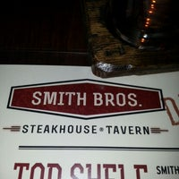 Foto tirada no(a) Smith Bros. Steakhouse & Tavern por Azam A. em 12/16/2012