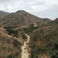 Photo taken at Lantau Trail (Section 3) 鳳凰徑(第三段) by Lily on 1/2/2018
