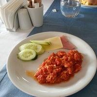 11/21/2012 tarihinde Rita R.ziyaretçi tarafından Tabbah Restaurant'de çekilen fotoğraf