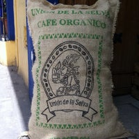 Foto tomada en Cafe Nuevo Mundo por Juan-Pablo O. el 9/1/2013