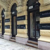4/4/2013 tarihinde Sándor B.ziyaretçi tarafından innio restaurant and bar'de çekilen fotoğraf