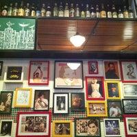 Das Foto wurde bei Bar Genial von Andrea D. am 8/18/2012 aufgenommen