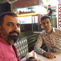 Photo taken at Kokoreççi Osman Baba(Meşhur Yenibağlar Kokoreççisi) by Neşet A. on 7/15/2017