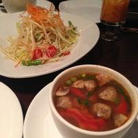 Das Foto wurde bei Thai Select von Teresa am 1/12/2013 aufgenommen