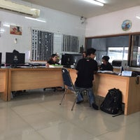 Photo taken at อู่ยอด การช่าง by Rung C. on 11/8/2016
