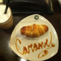 Photo taken at Coffeeshop Company by Elli N. on 11/22/2012