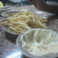 Снимок сделан в Luloua Restaurant пользователем Abdul Kareem 11/23/2012