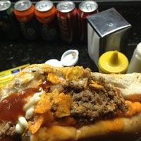 Foto tirada no(a) Hot Dog Pit Stop por Ryvan G. em 2/20/2013