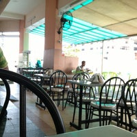 Photo taken at Restoran Al-Shafar Corner by نظر شه ع. on 3/11/2013