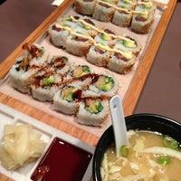 Photo prise au Makisu par Leslie W. le10/18/2012