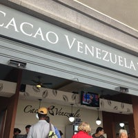 Photo taken at Cacao Venezuela by Mar B. on 4/9/2013