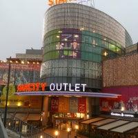 10/12/2013 tarihinde Yasin D.ziyaretçi tarafından Starcity Outlet'de çekilen fotoğraf