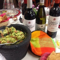 Foto tomada en Restaurante Nicos por Andrew A. el 11/18/2014