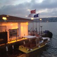 5/10/2013 tarihinde Özlem K.ziyaretçi tarafından Kanlıca Yakamoz Restaurant'de çekilen fotoğraf
