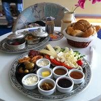 รูปภาพถ่ายที่ Mado โดย Şenel S. A. เมื่อ 12/2/2012