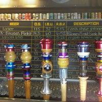 Foto tirada no(a) Hopworks Urban Brewery por Valentina L. em 10/16/2012